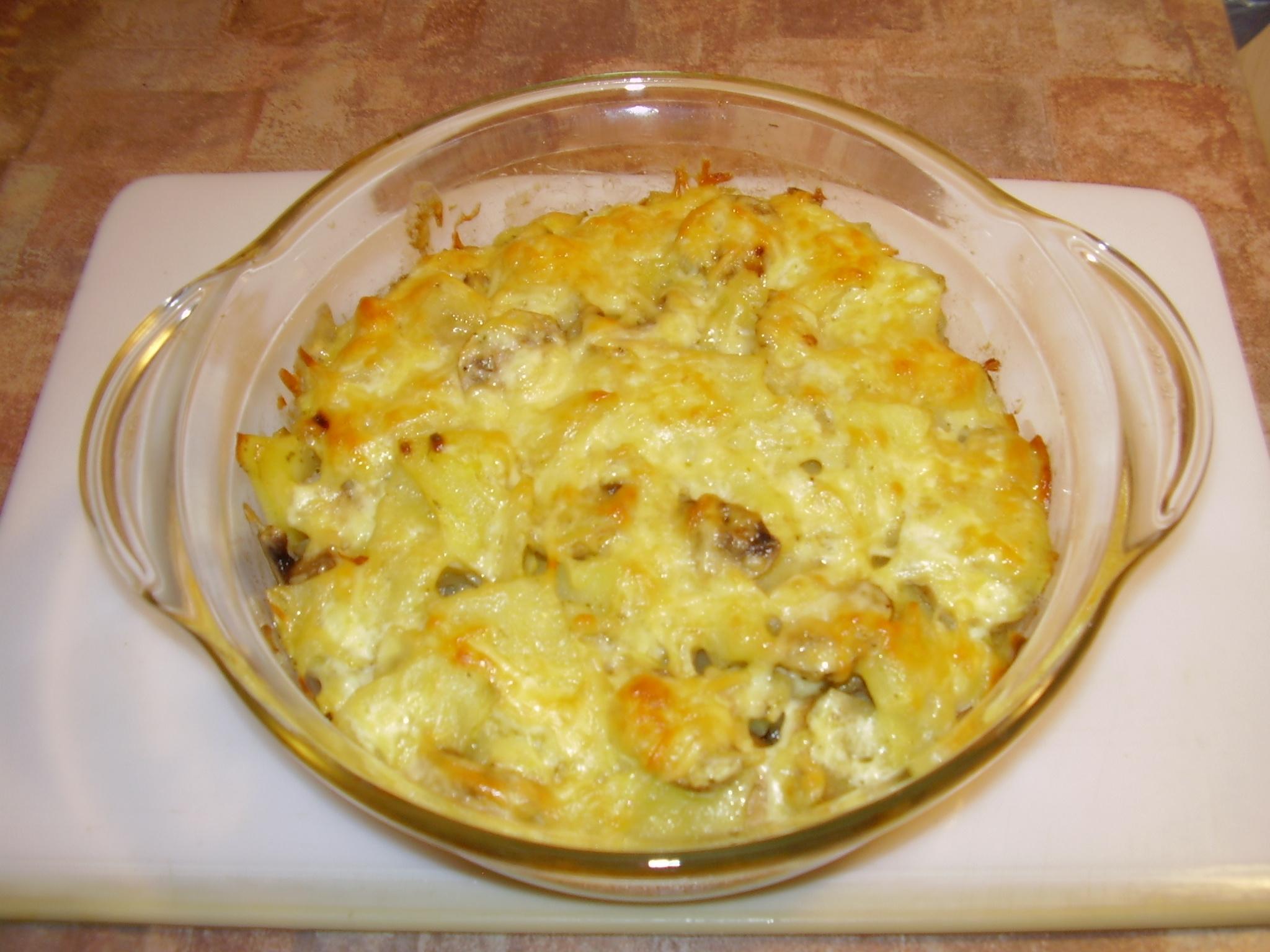 картошка в духовке с грибами и сыром и майонезом