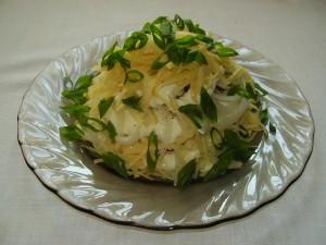 салат слоеный с луком