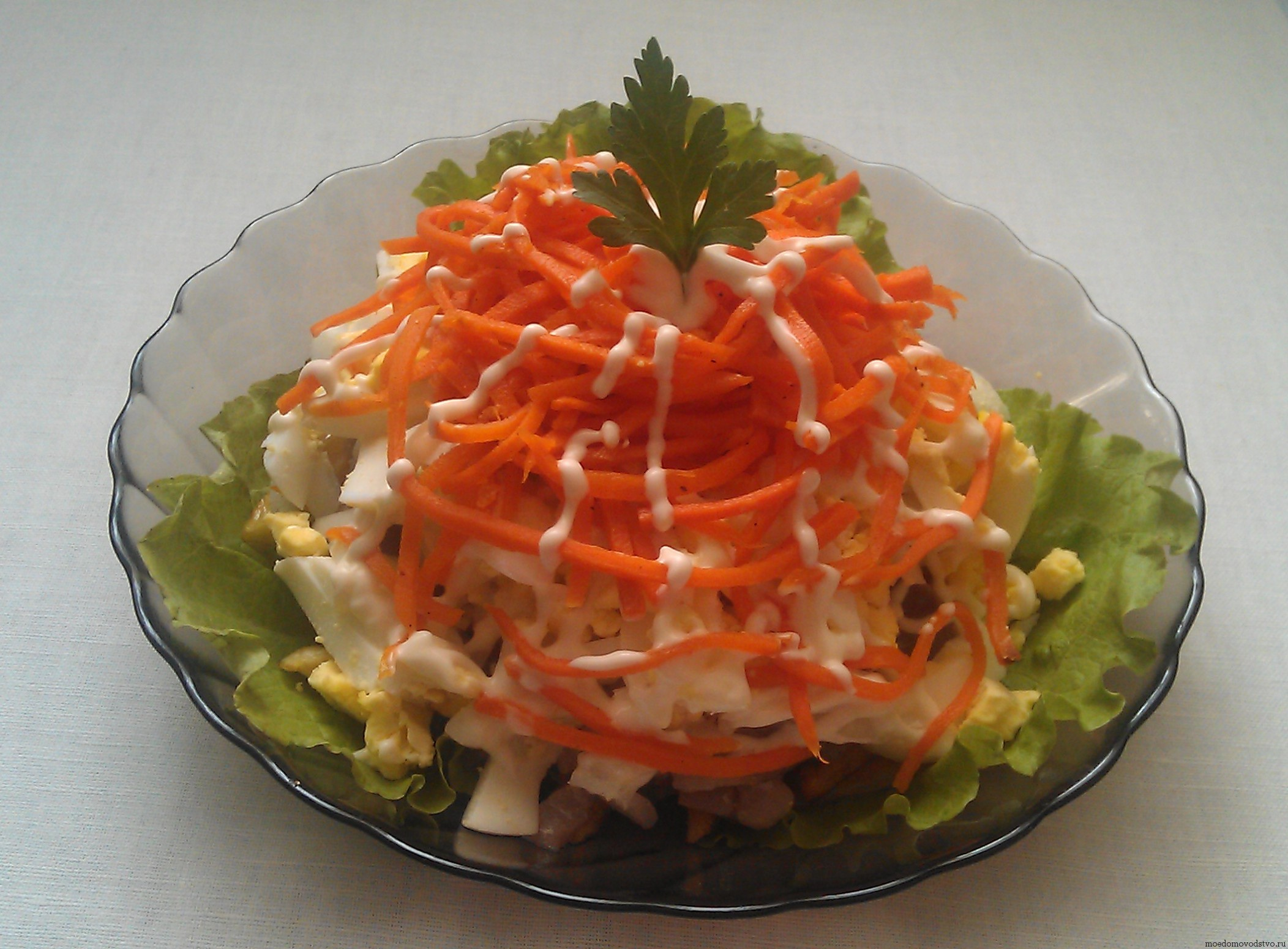 Вкусный слоеный салат с сельдью