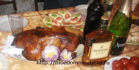 Немецкий рождественский гусь с яблоками и брюссельской капустой, пошаговый рецепт с фото